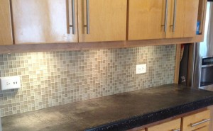 Glass tile Kitchen back splash by Artisan Construction, 7321 N Antioch Gladstone, MO  64119